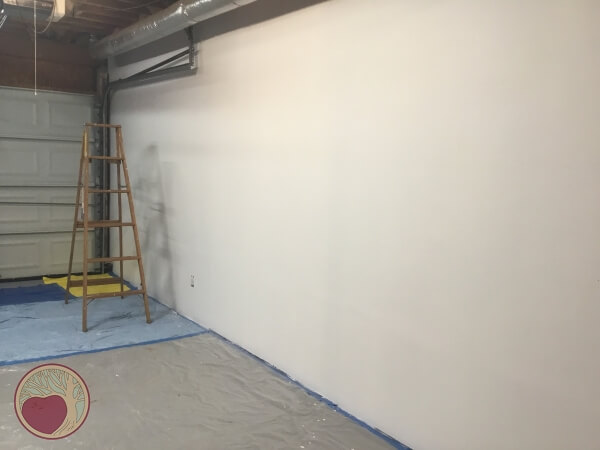 new shop wall after repair mud and paint