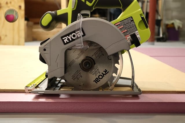 circular saw with guard up